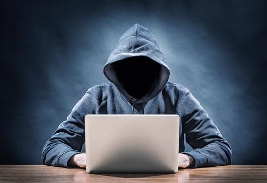 個人・クレジットカードの情報漏洩と詐欺業者による被害
